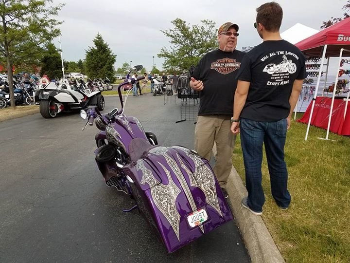 Tonight is another Quaker Steak and Lube bike night! Last week we had over 100 b… image