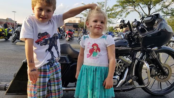 Some photos from the Quaker Steak and Lube bike night last night! image